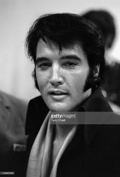 http://media.gettyimages.com/photos/american-rock-n-roll-singer-elvis-presley-backstage-on-the-opening-picture-id108887243