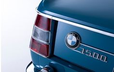 This is a tribute to the BMW 1500 New Class models of compact sedans in pictures and sounds. Learn about the history BMW 1500 New Class (German: Neue Klasse). Bmw Vintage, Automobile, Bmw Performance, Bmw Love, Bmw S, Driving School, New Class, Car Photography, Tail Light