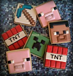 Minecraft sugar cookies. Only a few of the main characters/items from the popular game. #Minecraft #Minecraftcookies
