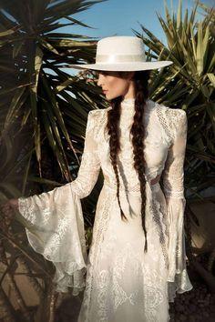 22 Ideas For Wedding Boho Chic Dress Gowns Boho Chic, Bohemian Style, Bohemian Gypsy, Hippie Chic, Vestidos Vintage, Vintage Dresses, Bohemian Wedding Dresses, Boho Bride, Boho Wedding