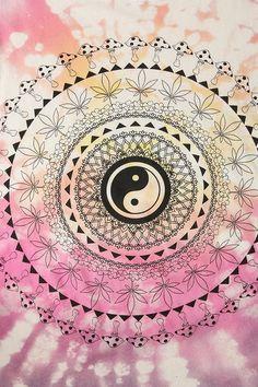 Com yin yang, home decor, tapestry, fabric, hipster yin yan Psycho Wallpaper Iphone, Hipster Wallpaper, Pink Wallpaper, Trendy Wallpaper, Yin Yang, Yoga Studio Design, Hippie Love, Hippie Art, Hippie Peace