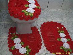 Bath Crochet Patterns Part 2 - Beautiful Crochet Patterns and Knitting Patterns Crochet Quilt, Crochet Home, Crochet Doilies, Crochet Stitches Patterns, Knitting Patterns, Bad Set, Bathroom Sets, Bathroom Plans, Beautiful Crochet