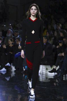 Courrèges Ready To Wear Fall Winter 2016 Paris