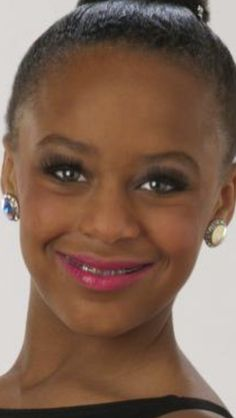 Nia!!! She looks like a friend of mine in that picture.
