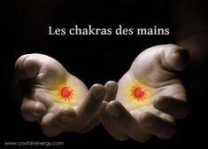 Les chakras des mains  Les chakras des mains dits chakras mineurs, ont un rôle important lié au chakra du cœur Les chakras de la main sont situés dans la paume de chaque main,  ils sont de plus petite taille que les chakras principaux et peuvent s'ouvrir et se fermer à volonté selon que le corps a besoin de donne... https://www.pierresmagiques.com/chakras-aura/les-chakras-mains.html