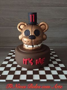 Bolo Five Nights at Freddy#Five Nights at Freddy Cake - Golden Freddy by Fê