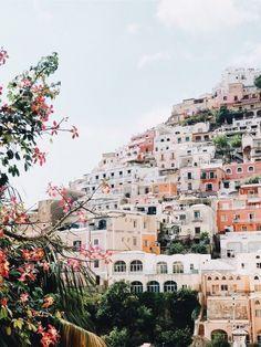 Spring in europe adventure travel, welt, amalfi coast, places to travel, tr Places To Travel, Places To See, Travel Destinations, Greek Island Hopping, Jolie Photo, Cinque Terre, Travel Goals, Travel List, Travel Europe