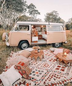 uess what! We are going to try van life this summer in Europe 😬🙏 inspired by featured last year. We will be documenting Summer Aesthetic, Travel Aesthetic, Boho Aesthetic, Adventure Aesthetic, Camping Aesthetic, Aesthetic Women, Aesthetic Vintage, Aesthetic Clothes, Wolkswagen Van