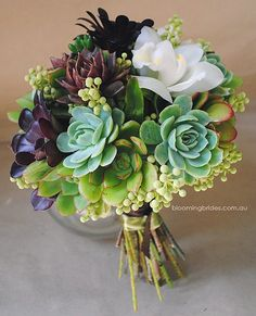 I LOVE the idea of using succulents in a wedding bouquet - they're so hardy you could simply plant them when the wedding is over! Succulent Bouquet by Rita of Blooming Brides Floral Wedding, Wedding Bouquets, Wedding Flowers, Wedding Plants, Flower Bouquets, Burgundy Wedding, Wedding Colors, Succulent Bouquet, Succulent Plants