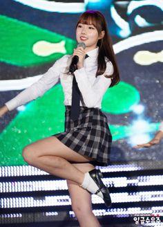 GFriend - Yerin K Beauty, Beauty Women, South Korean Girls, Korean Girl Groups, G Friend, Pin Up Art, Kpop Girls, Dancer, Celebrity