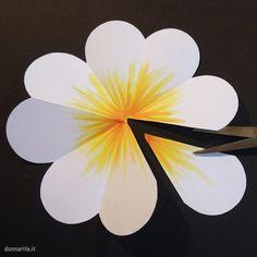 Art Festa, Daycare Crafts, Pop Up Cards, Kirigami, Perler Beads, Paper Flowers, Pop Art, Bouquet, Mamma