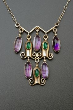 ¤ Wiener Werkstatte jewellery fabulous necklace with pendant found on the Prague… Ancient Jewelry, Antique Jewelry, Vintage Jewelry, Jewelry Crafts, Jewelry Art, Jewelry Design, Gold Jewellery, Klimt, Prague Museum