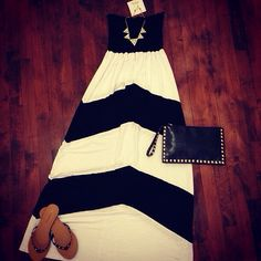 Black and White Maxi. Love the accessories with it.