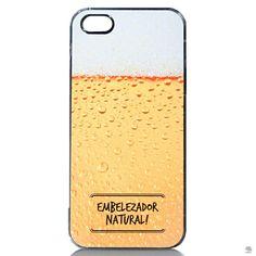 CAPA PARA IPHONE 5-5S CHOPP Embelezador natural é um dito típico de homens se referindo a um dos efeitos da bebida. Uma capa de iPhone com estampa de chopp e essa expressão famosa vai levantar muitas risadas.