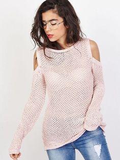 4301d7372af Joli pull en coton pour femme rose. Pull bohème avec épaules dénudées.  Manches longues