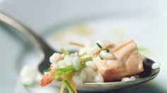 Der Fisch macht dieses Gericht besonders edel: Lachs-Risotto   http://eatsmarter.de/rezepte/lachs-risotto