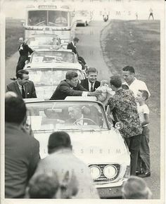 John F. Kennedy Kissing Babies on the 1960 Campaign Trail John Kennedy, Familia Kennedy, John Junior, John Fitzgerald, Greatest Presidents, Family Album, Perfect Couple, Historical Pictures, Special People