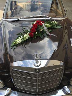 ein Gesteck - diesmal diagonal #oldtimer#hochzeitsauto#wedding…