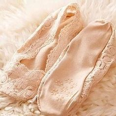 Invisible Women's Cotton Lace Anti- Skid Low Cut Liner Socks