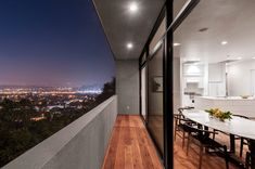 Car Park House, diseñada por el estudio californiano Anonymous Architects.