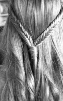 like this braid for my girl (wedding flower girl soon)