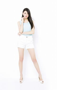 STモデル プロフィール:三吉彩花(みよしあやか)AyakaMiyoshi|Seventeen(セブンティーン)