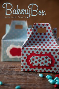 bakery box...perfect craft to make on my silhouette