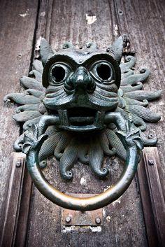 Durham Cathedral Sanctuary Door Knocker - a true hidden gem of Durham! & Durham Cathedral door knocker   endroits où j\u0027ai vécu et a visité ...