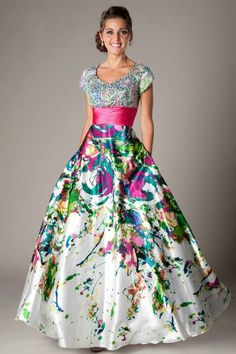 Modest Prom Dresses Prom Homecoming Formal Dance Modest - Petra I would've loved this. Modest Formal Dresses, Prom Dresses 2017, Dance Dresses, Beautiful Gowns, Beautiful Outfits, Banquet Dresses, Pretty Dresses, Evening Dresses, Fashion Dresses