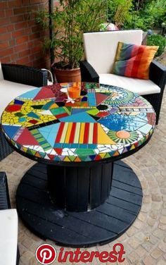 16 Ideas For Diy Table Top Mosaic Projects Mosaic Garden Art, Mosaic Art, Mosaic Glass, Mosaics, Stained Glass, Glass Tiles, Cable Spool Tables, Wooden Cable Spools, Mosaic Crafts