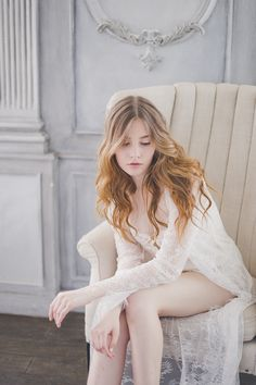 Bridal Boudoir Portrait | Katia Tumenyeva Photography | Viktoria Gusova & Elena Gavrilova | Bridal Musings Wedding Blog 23