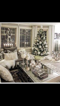 Elegant christmas tree themes holidays new ideas Silver Christmas Tree, Christmas Love, Winter Christmas, Christmas Mantles, Victorian Christmas, Decorated Christmas Trees, Vintage Christmas, Elegant Christmas Trees, Flocked Christmas Trees