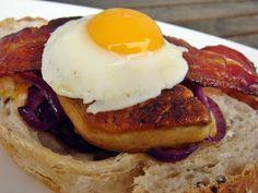 Nem vagyok mesterszakács: Szendvics kanapé sült kacsamájjal és más finomságo... Bacon, Muffin, Eggs, Breakfast, Food, Morning Coffee, Essen, Muffins, Egg