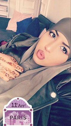 Muslim Hijab, Muslim Girls, Niqab, Anime, Muslim Women, Cartoon Movies, Anime Music, Animation, Anime Shows