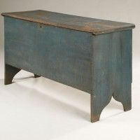 New England 6-Board Blanket Chest
