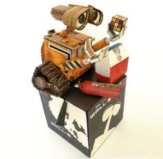 Model Assembled and Photo by Rafael Saldaña, aka Ikarus Media   I believe that WALL-E needs no introduction.  Everyone knows the story of...