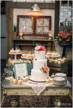 Wedding: Matt & Alex // Weatherwood LLC, Columbia Falls, Montana » Analisa Joy Photography » Rustic Wedding Montana » Barn Wedding Montana // Wedding Cake // Reception Details