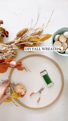Autumn Crafts, Holiday Crafts, Holiday Fun, Home Crafts, Diy And Crafts, Crafts For Kids, Diy Fall Wreath, Fall Wreaths, Thanksgiving Decorations