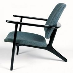 Alfred Hendrickx - Belform Sabena lounge, 1958 Made by Belform. Designed in 58 for Sabena lounge Black stained wood with original blue fabric. Only 50 made of each colour. Vintage Furniture, Modern Furniture, Furniture Design, Love Chair, Cool Chairs, Lounge Chairs, Eames Chairs, Office Chairs, High Chairs