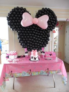 Prettiest Mouse in the World : Minnie Mouse Balloon Decorations Minnie Mouse Balloons, Minnie Mouse Theme, Minnie Mouse Baby Shower, Baby Mickey, Mickey Party, Pink Balloons, Decoration Minnie, Balloon Decorations, Minnie Mouse Party Decorations