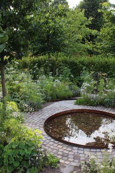04 Stunning Front Yard Cottage Garden Inspiration Ideas - New Pin Potager Garden, Diy Garden, Garden Cottage, Garden Care, Shade Garden, Dream Garden, Palace Garden, Cottage Front Yard, Garden Tips