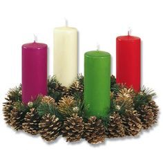 The Story of the Italian Advent Wreath Christmas Time, Christmas Wreaths, Christmas Decorations, Xmas, Table Decorations, Holiday Decor, Beauty Salon Interior, Advent Wreath, Beautiful Candles