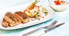 Roasted salmon with vegetables and tartar sauce Greek Recipes, Fish Recipes, Kai, Tartar Sauce, Cooking Recipes, Healthy Recipes, Healthy Food, Roasted Salmon, Food Categories