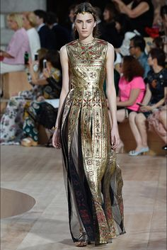 Valentino Couture Fall/Winter 2015-2016 Collection.