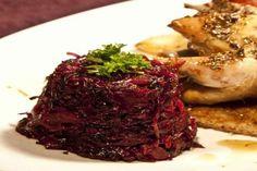 syntagi glykoxino kokkino laxano me milo kai baxaria Sauerkraut, Good Mood, Cooking Time, Dinner Recipes, Dinner Ideas, Nom Nom, Side Dishes, Steak, Cabbage