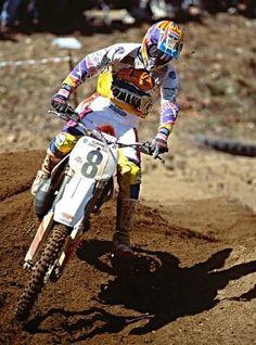 cool bike Yamaha Motocross, Dirt Bike Racing, Beast From The East, Off Road Bikes, Vintage Motocross, Dirtbikes, Damon, Bike Life, Cool Bikes