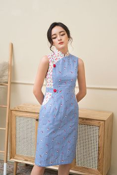 Traditional Dresses Designs, Designs For Dresses, Traditional Outfits, Batik Fashion, Skirt Fashion, Hijab Fashion, Stylish Dresses, Simple Dresses, Myanmar Dress Design
