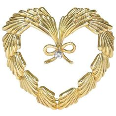 Preowned Cartier Diamond Gold Heart Pin ($2,400) ❤ liked on Polyvore featuring jewelry, brooches, multiple, antique gold pendant, gold brooch, yellow gold diamond pendant, diamond heart pendant and antique diamond pendant