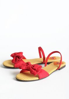 How adorable are these Babydoll Sandals?