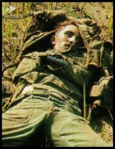 a dead American GI who was killed in action during the Vietnam war. Vietnam History, Vietnam War Photos, North Vietnam, Vietnam Veterans, American War, American Stock, American Soldiers, Killed In Action, My War